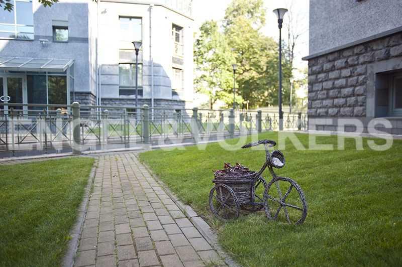 Элитные квартиры на . Санкт-Петербург, 2-ая Березовая аллея, 13-15. Закрытая благоустроенная территория