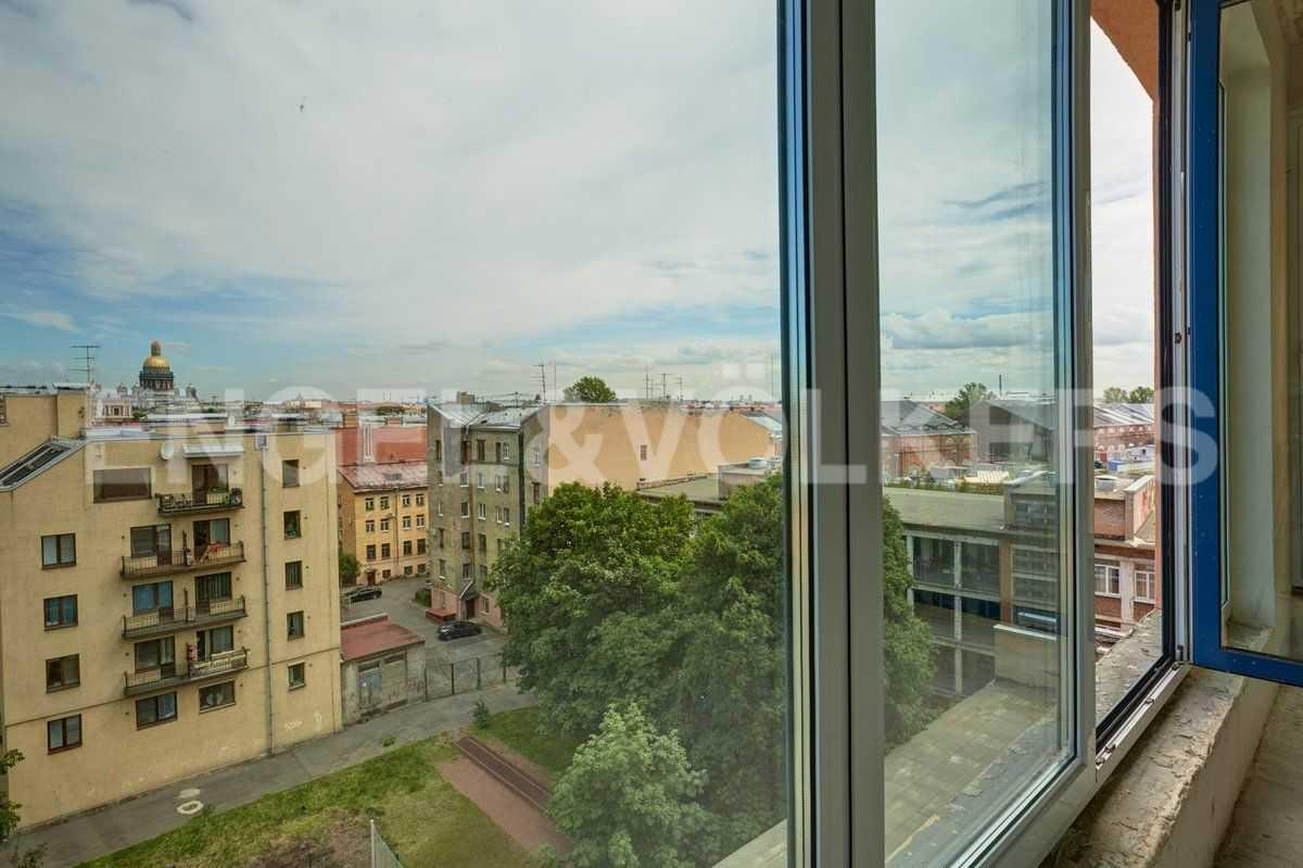 Элитные квартиры в Центральном районе. Санкт-Петербург, наб. Адмиралтейского канала, 15. Вид из окон предлагаемых апартаментов