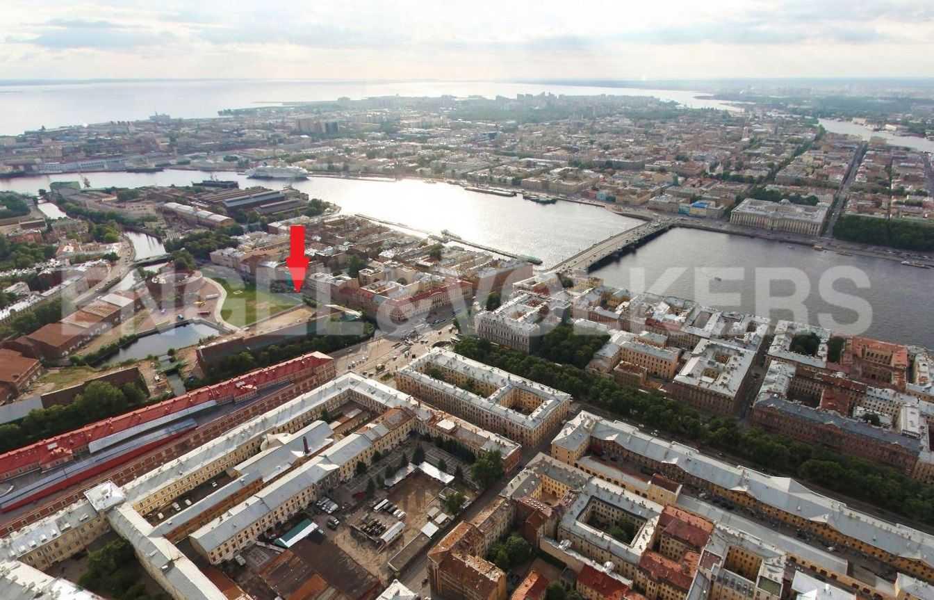 Элитные квартиры в Центральном районе. Санкт-Петербург, наб. Адмиралтейского канала, 15. Панорама расположения комплекса