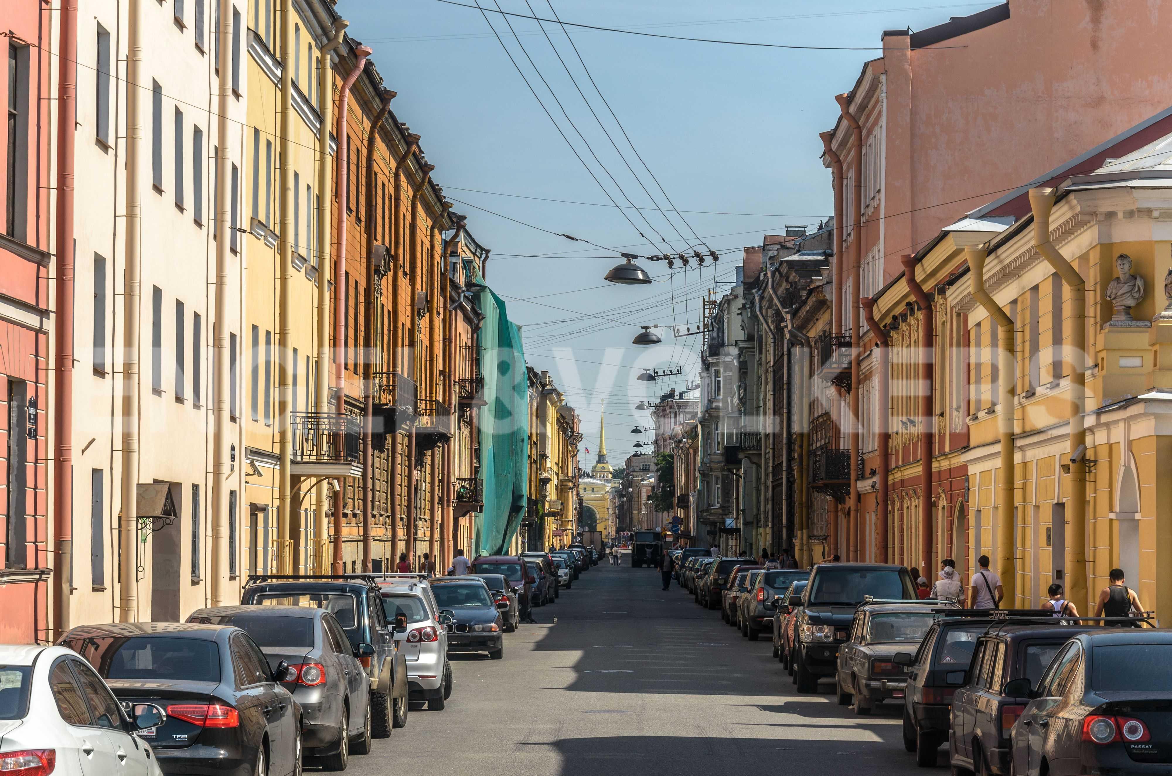 Элитные квартиры в Центральном районе. Санкт-Петербург, наб. Адмиралтейского канала, 15. Галерная улица