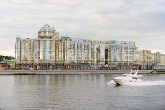 Воскресенская наб., 4 — Видовая квартира в элитном комплексе на берегу реки Невы