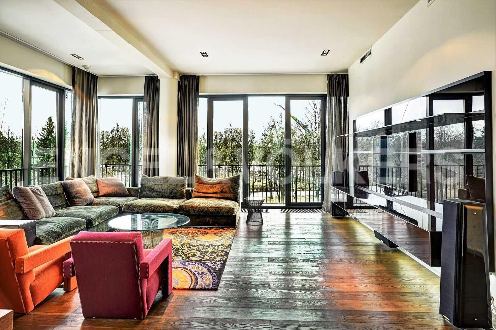 Элитные квартиры на . Санкт-Петербург, наб. Мартынова, 74. Гостиная с панорамным видом