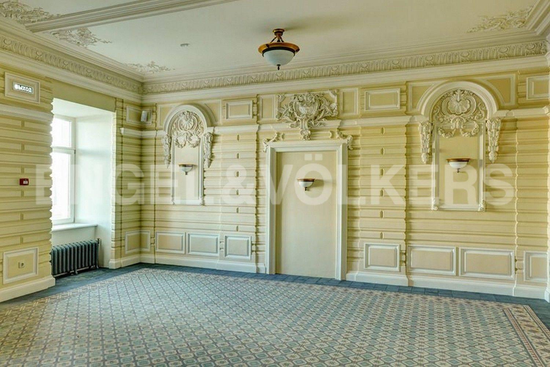 Элитные квартиры в Центральном районе. Санкт-Петербург, наб. Кутузова, 24. Холл-лобби