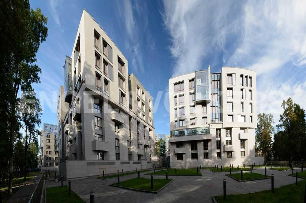 Элитные квартиры в Центральном районе. Санкт-Петербург, ул.Смольного, 4. Фасад