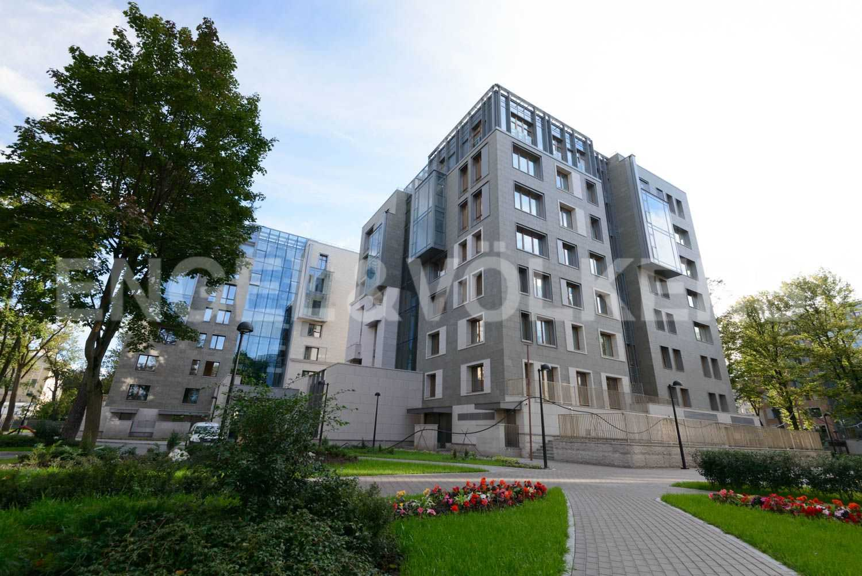 Элитные квартиры в Центральный р-н. Санкт-Петербург, Смольная наб.,8. Фасад комплекса