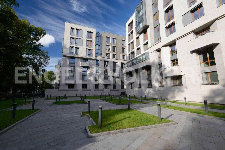 Элитные квартиры в Центральном районе. Санкт-Петербург, ул.Смольного, 4. Внутренняя территория комплекса