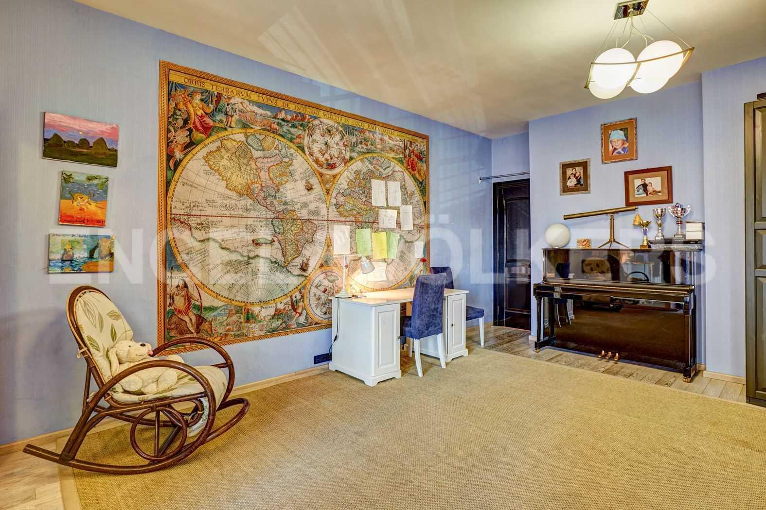 Элитные квартиры в Петроградском районе. Санкт-Петербург, Песочная наб. 18. Детская комната (или вторая спальня)
