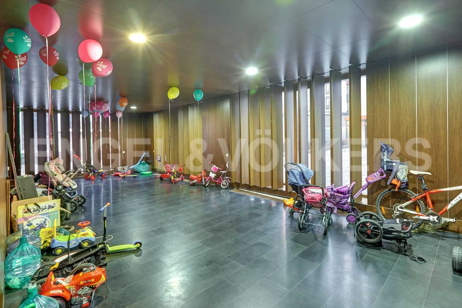Элитные квартиры на . Санкт-Петербург, наб. Мартынова, 74. Помещение для хранения колясок и велосипедов