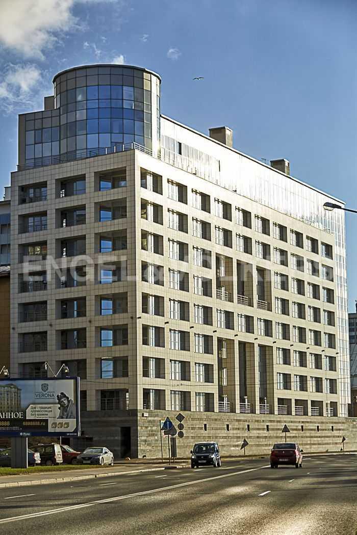 Элитные квартиры в Петроградском районе. Санкт-Петербург, Песочная наб. 18. Фасадная сторона комплекса