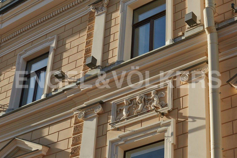 Элитные квартиры в Центральном районе. Санкт-Петербург, наб. Кутузова, 24. Элемент фасада Дома
