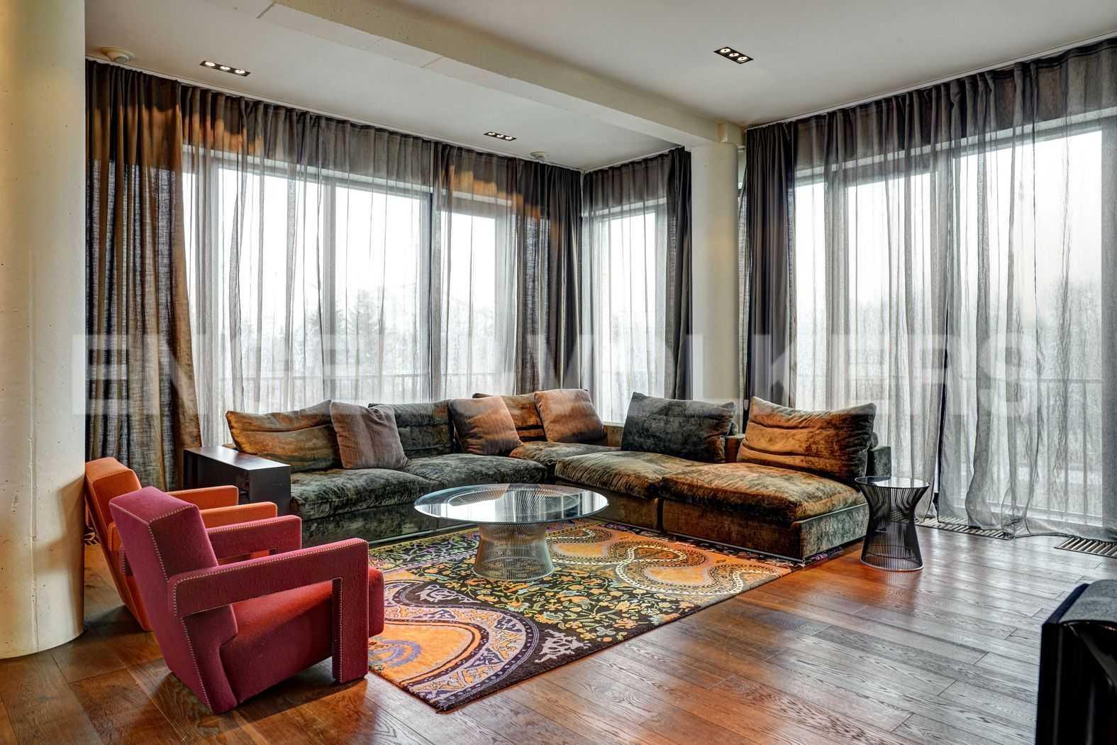 Элитные квартиры на . Санкт-Петербург, наб. Мартынова, 74. Зона гостиной