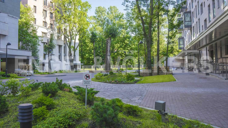 Элитные квартиры в Центральный р-н. Санкт-Петербург, Смольная наб.,8. Ландшафтный дизайн на внутренней территории комплекса