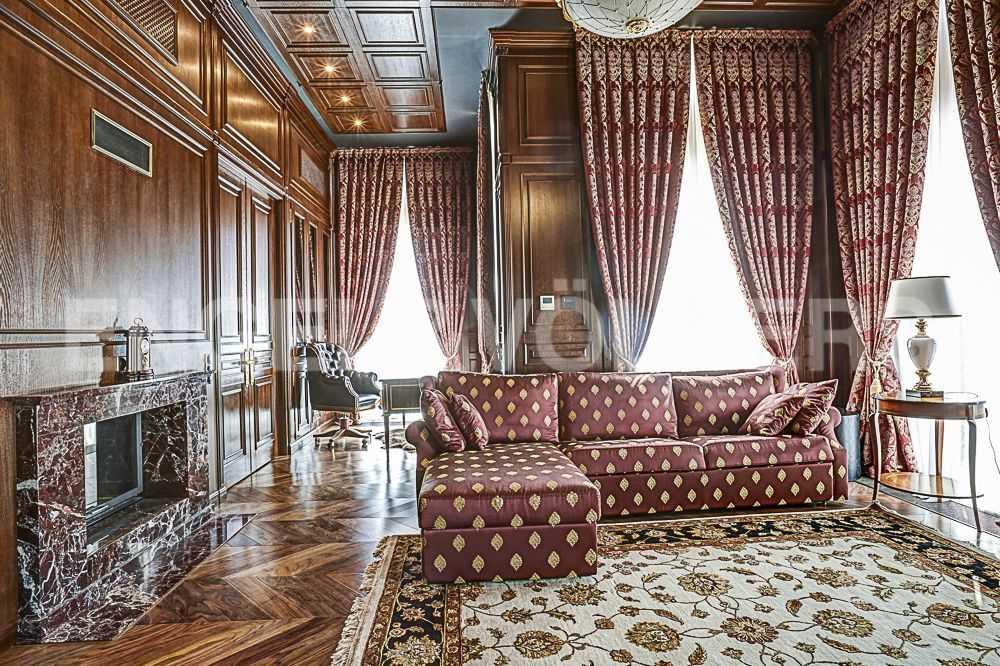 Кабинет либо спальня. Мебель из коллекций Asnaghi Salotti и DL Décor
