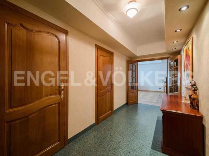 Элитные квартиры в Центральном районе. Санкт-Петербург, Итальянская ул, 4. Холл-прихожая