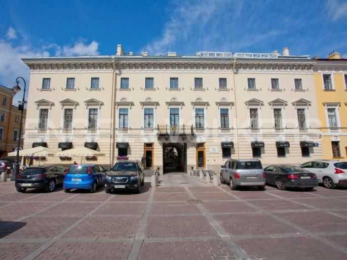 Элитные квартиры в Центральном районе. Санкт-Петербург, Итальянская ул, 4. Фасад дома