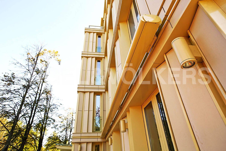 Элитные квартиры на . Санкт-Петербург, Крестовский пр., 12. Фасад дома NBK Terrart (Германия)