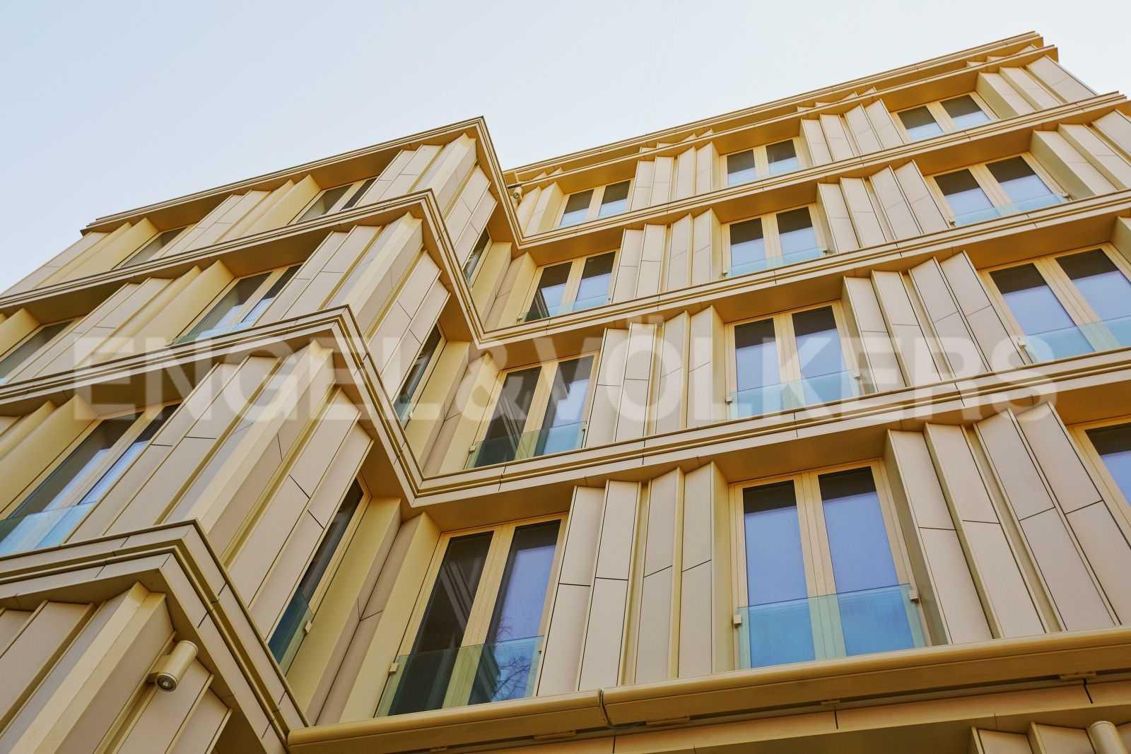 Элитные квартиры на . Санкт-Петербург, Крестовский пр., 12. Фасад здания