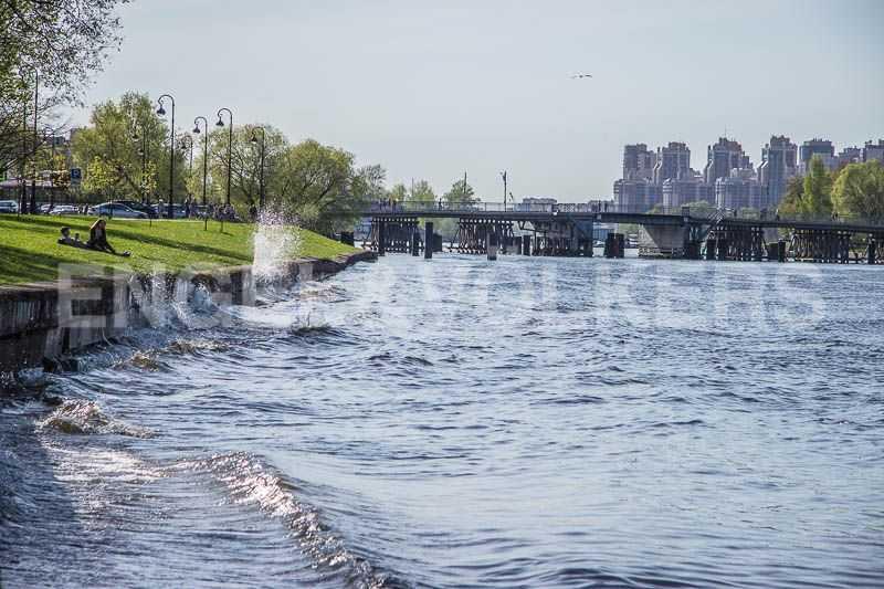 Элитные квартиры на . Санкт-Петербург, Крестовский пр., 12. Река Средняя Невка-2