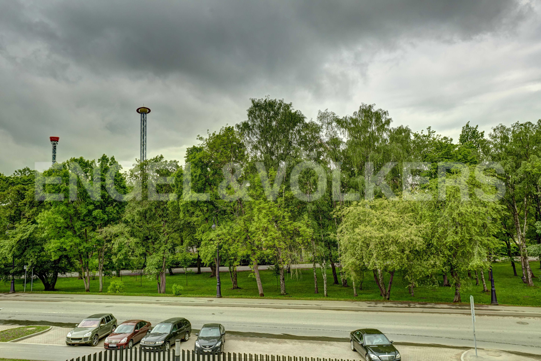 Элитные квартиры на . Санкт-Петербург, наб. Мартынова, 74. Вид из панорамных окон гостиной