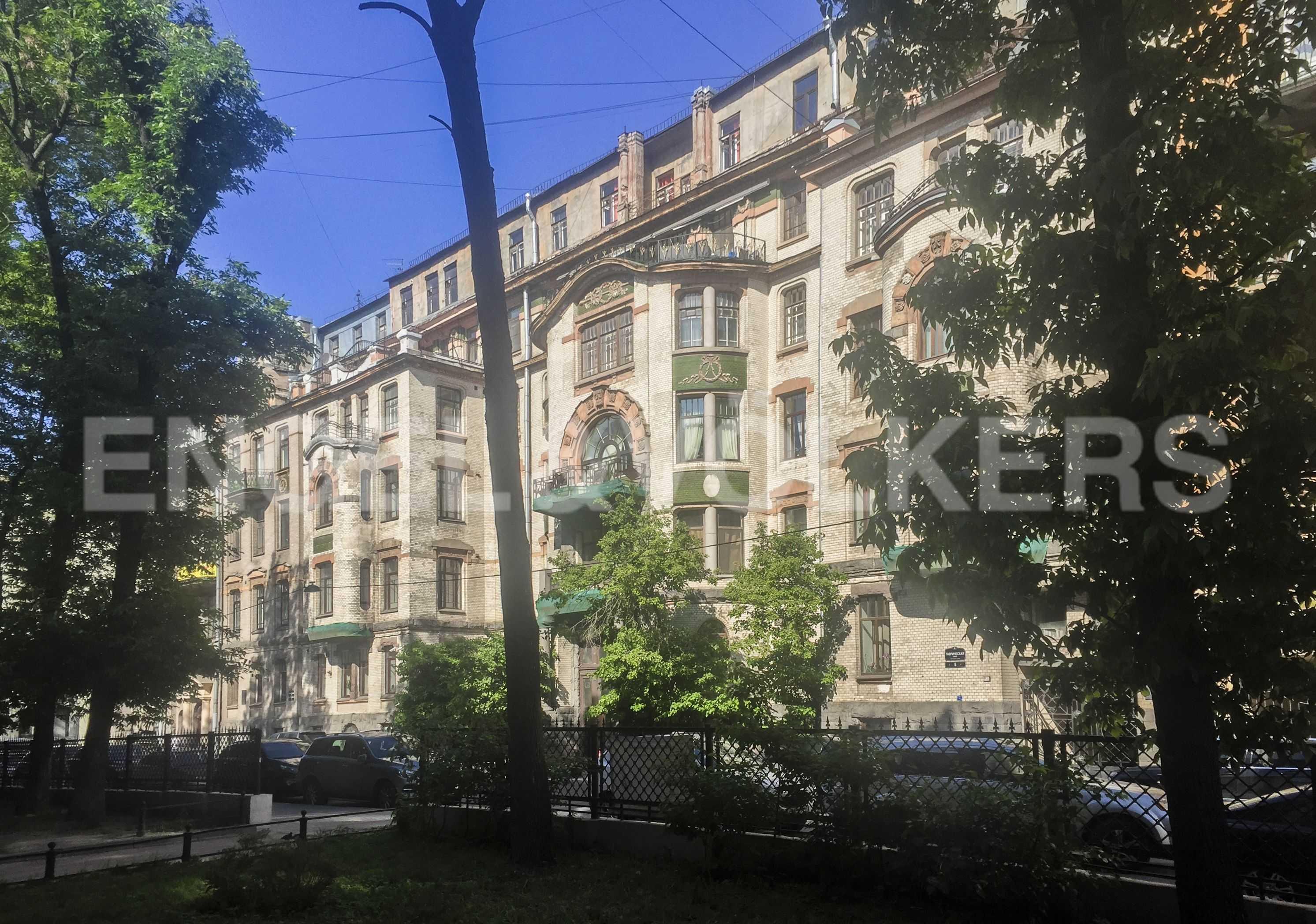 Элитные квартиры в Центральном районе. Санкт-Петербург, Таврическая, 5. Фасад дома
