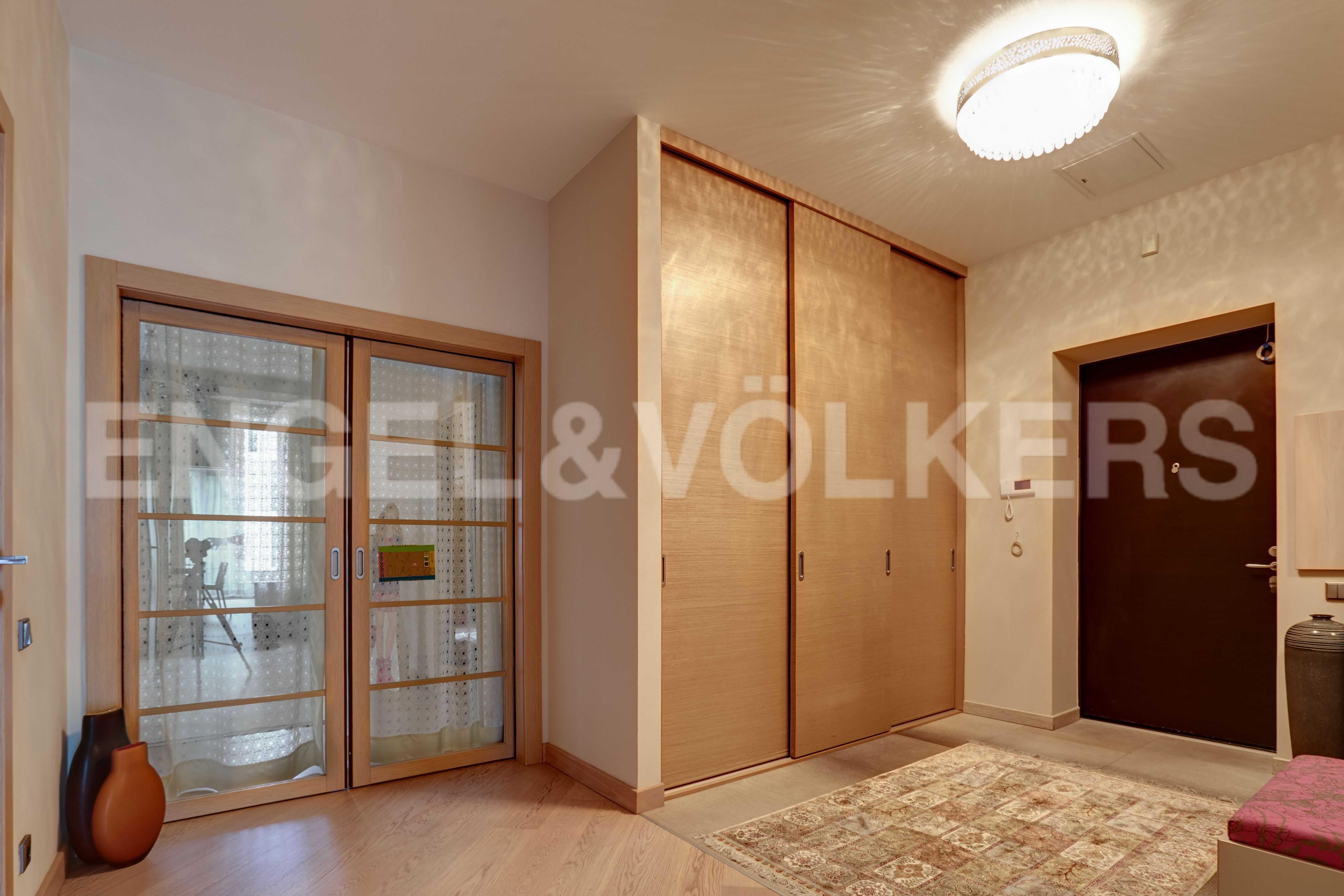 Элитные квартиры на . Санкт-Петербург, наб. Мартынова, 74. Холл-прихожая