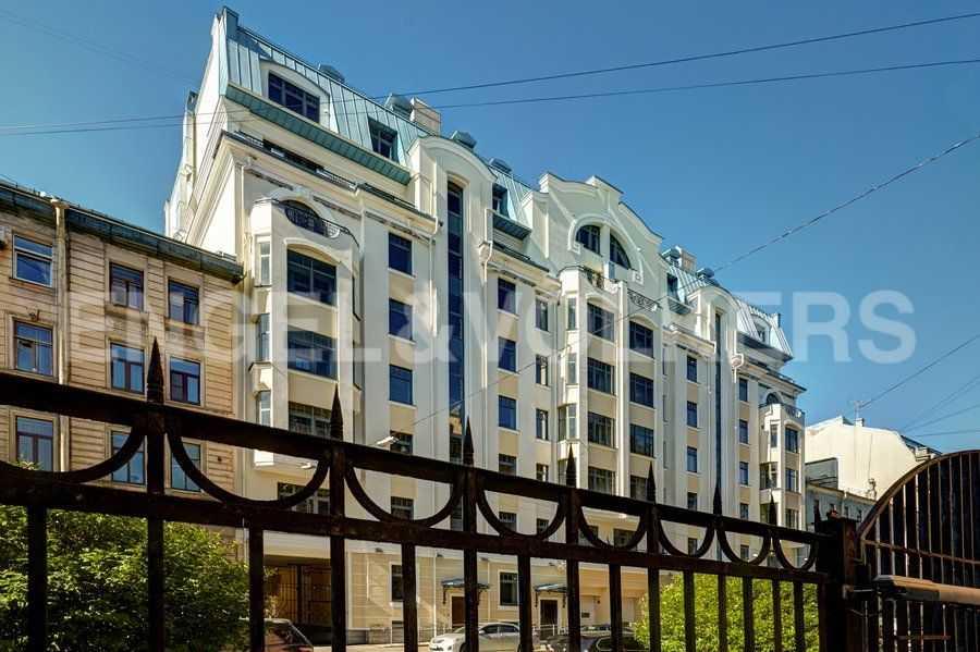 Элитные квартиры в Центральном районе. Санкт-Петербург, 4-я Советская ул, 9. Вид дома с 4-ой Советской ул.