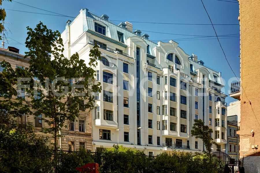 Элитные квартиры в Центральном районе. Санкт-Петербург, 4-я Советская ул, 9 . Вид дома с 4 Советской ул.
