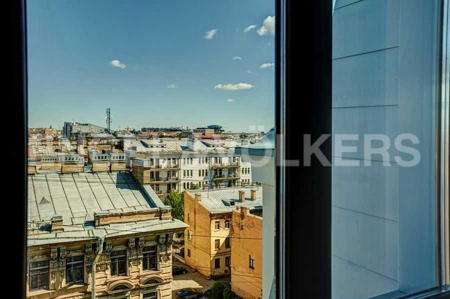Элитные квартиры в Центральном районе. Санкт-Петербург, 4-я Советская ул, 9. Виды из окон