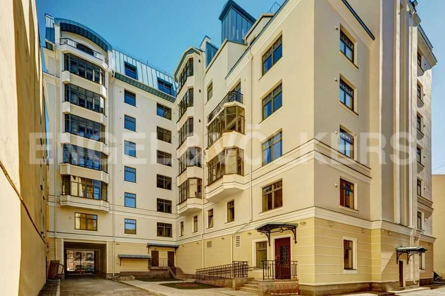 Элитные квартиры в Центральный р-н. Санкт-Петербург, 4-я Советская ул, 9. Вид дома со стороны двора