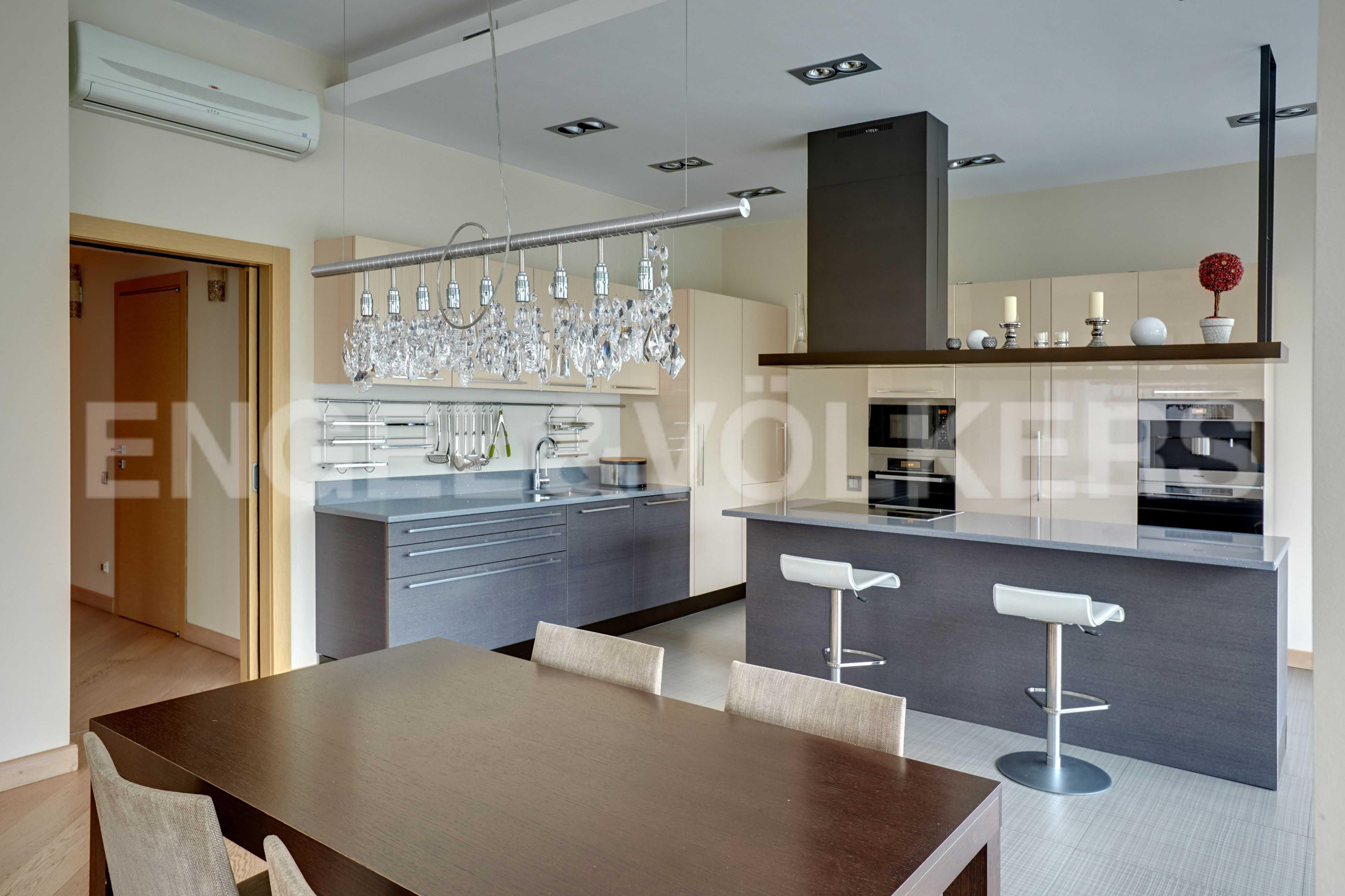 Элитные квартиры на . Санкт-Петербург, наб. Мартынова, 74. Зона кухни-столовой