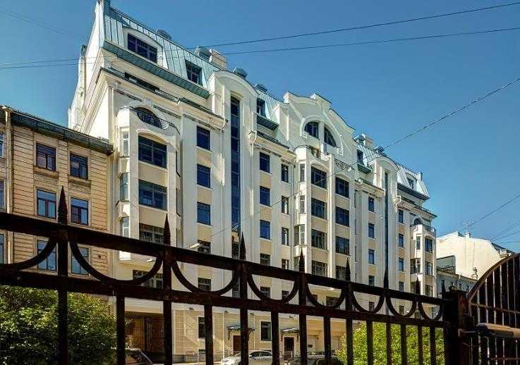 Кирпично-монолитное 8-этажное здание