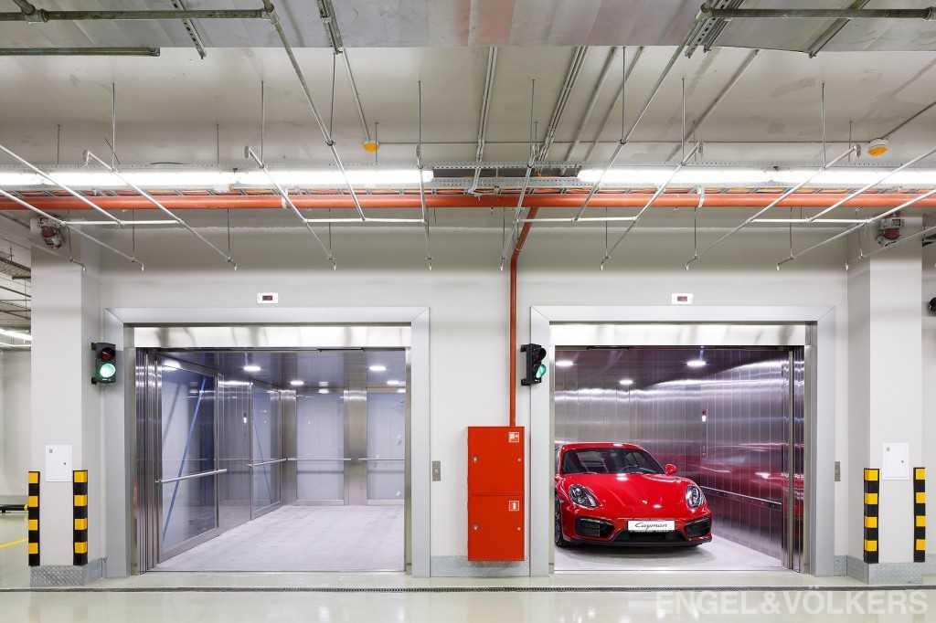 Крытый паркинг в особняке