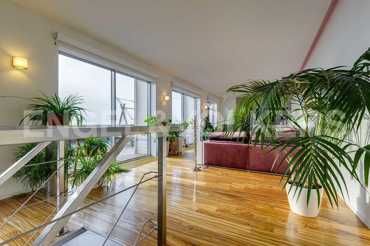 Панорамное остекление в гостиной
