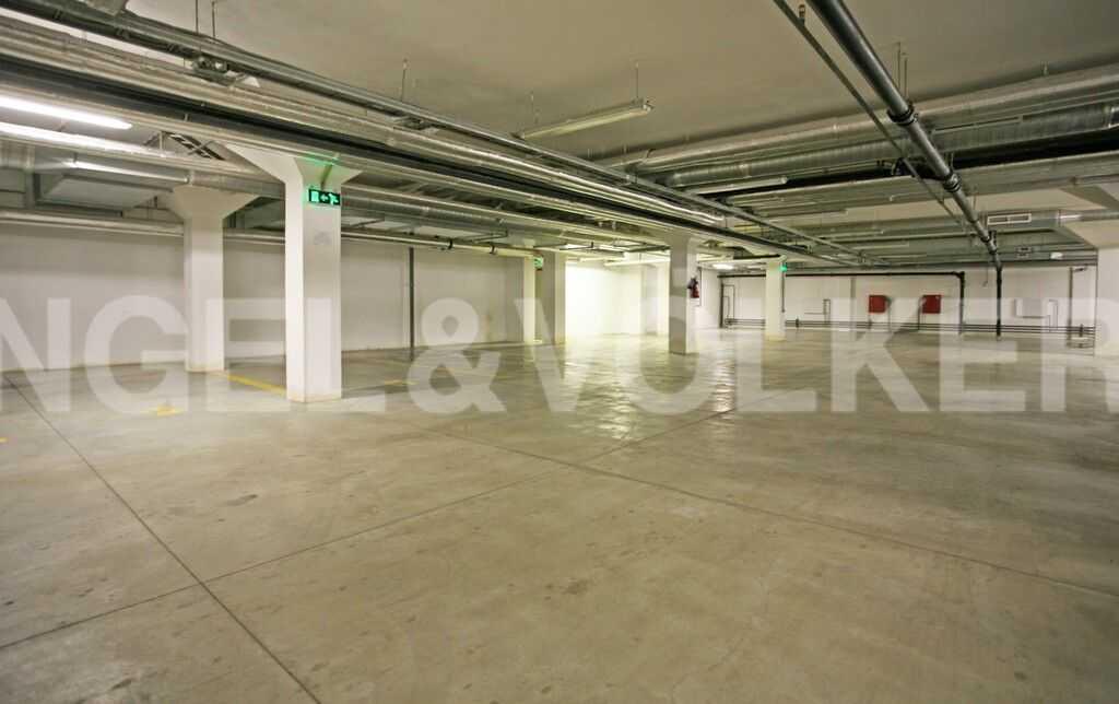 Элитные квартиры в Центральный р-н. Санкт-Петербург, Тверская ул., 1A . Подземный паркинг