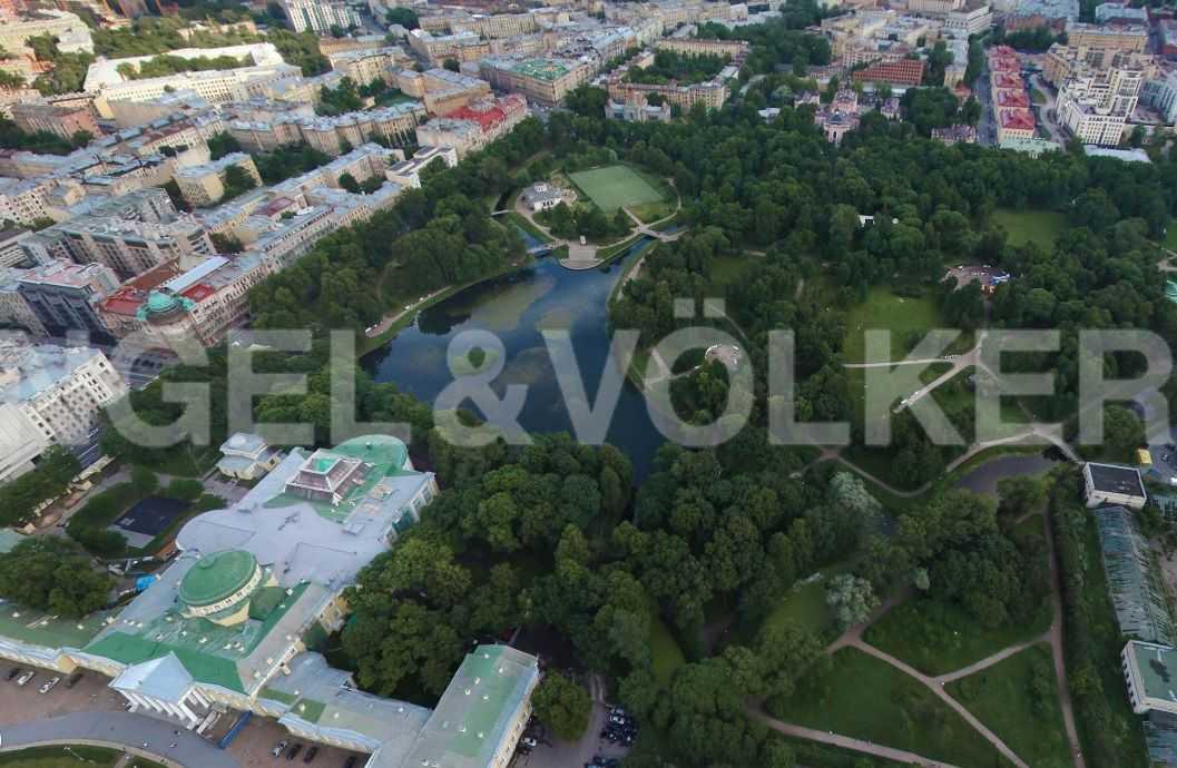 Элитные квартиры в Центральном районе. Санкт-Петербург, Тверская ул., 1A . Таврический сад