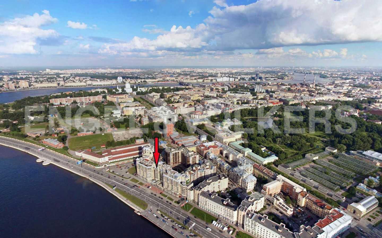 Элитные квартиры в Центральном районе. Санкт-Петербург, Воскресенская наб., 4. Вид сверху