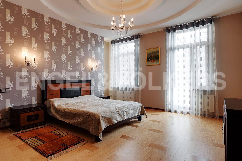 Элитные квартиры на . Санкт-Петербург, Кемская, 1. Спальня с лоджией