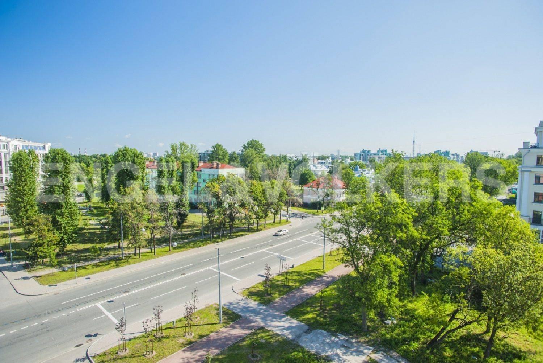 Элитные квартиры на . Санкт-Петербург, Морской проспект, дом 28. Вид с балкона в сторону Морского проспекта