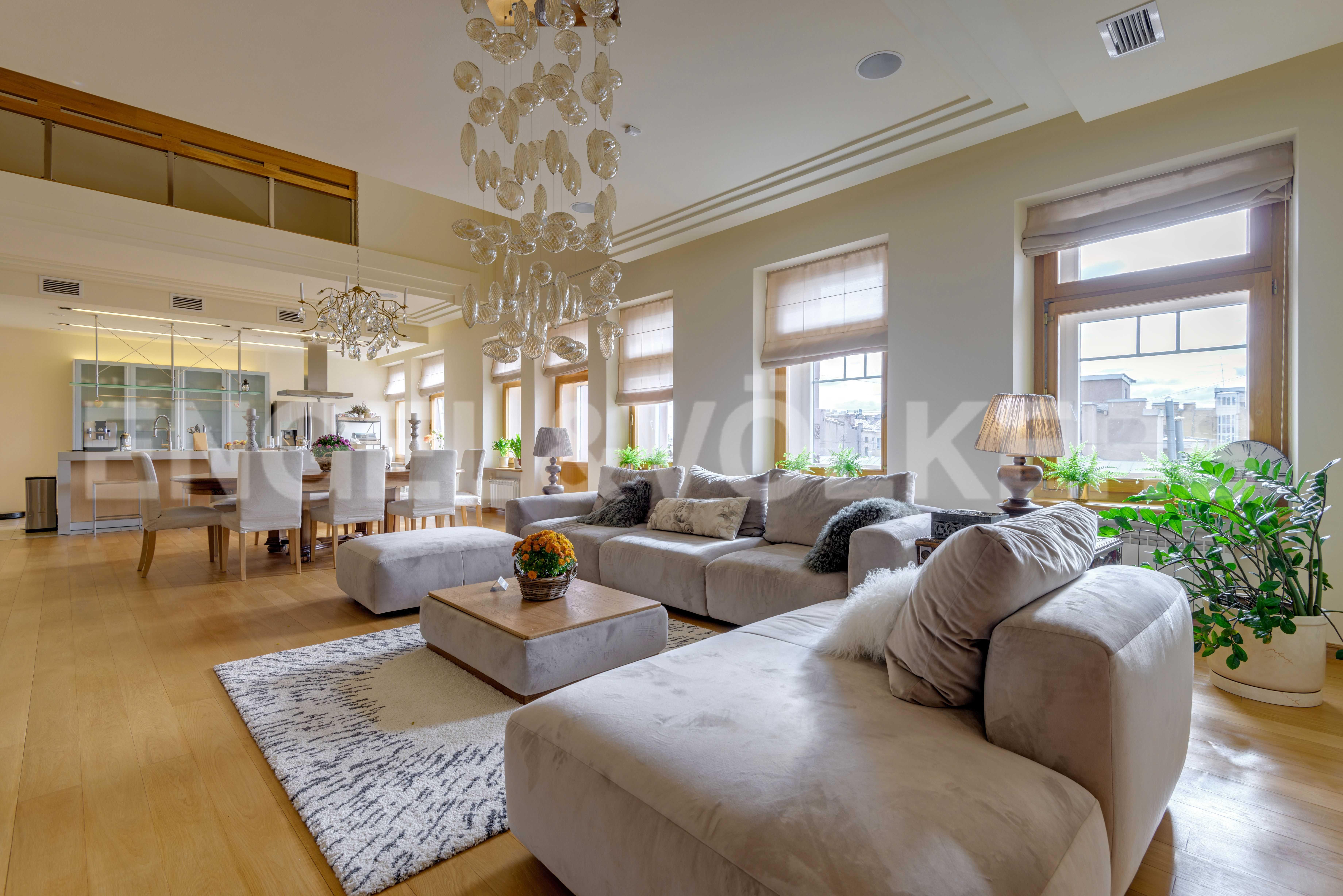 Элитные квартиры в Центральный р-н. Санкт-Петербург, Захарьевская, 16. Гостиный зал