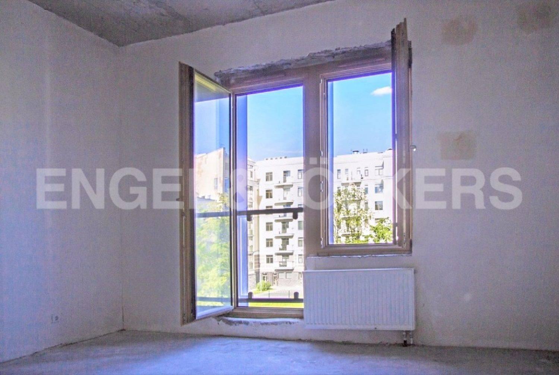 Элитные квартиры на . Санкт-Петербург, Морской проспект, дом 28. Деревянные окна с двухкамерными стеклопакетами