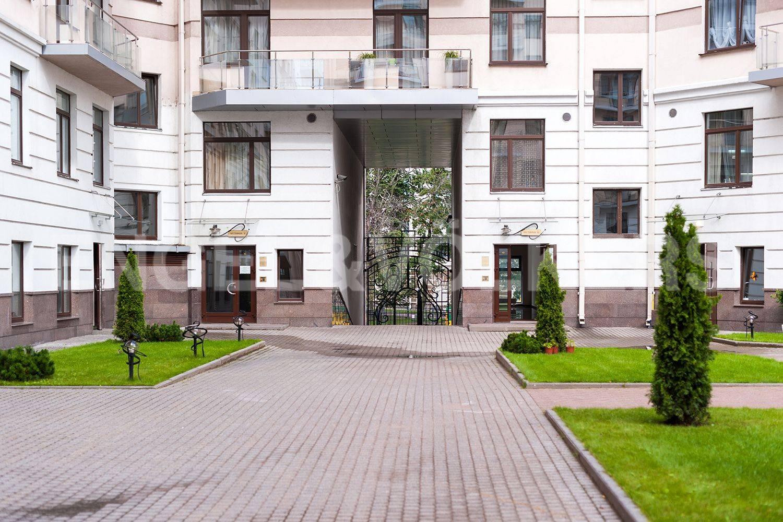 Элитные квартиры на . Санкт-Петербург, Кемская, 1. Закрытый благоустроенный двор