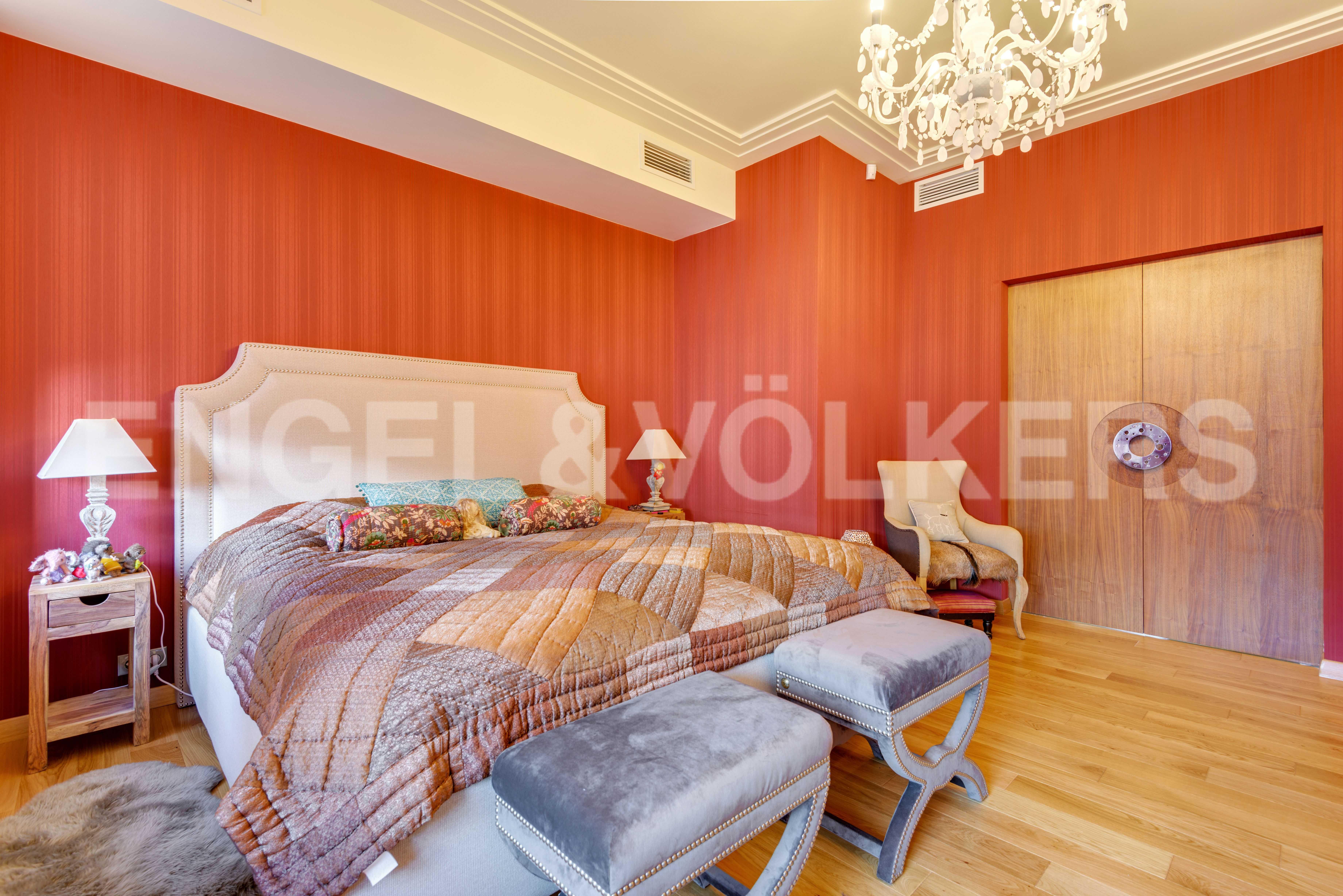 Элитные квартиры в Центральный р-н. Санкт-Петербург, Захарьевская, 16. Основная спальня
