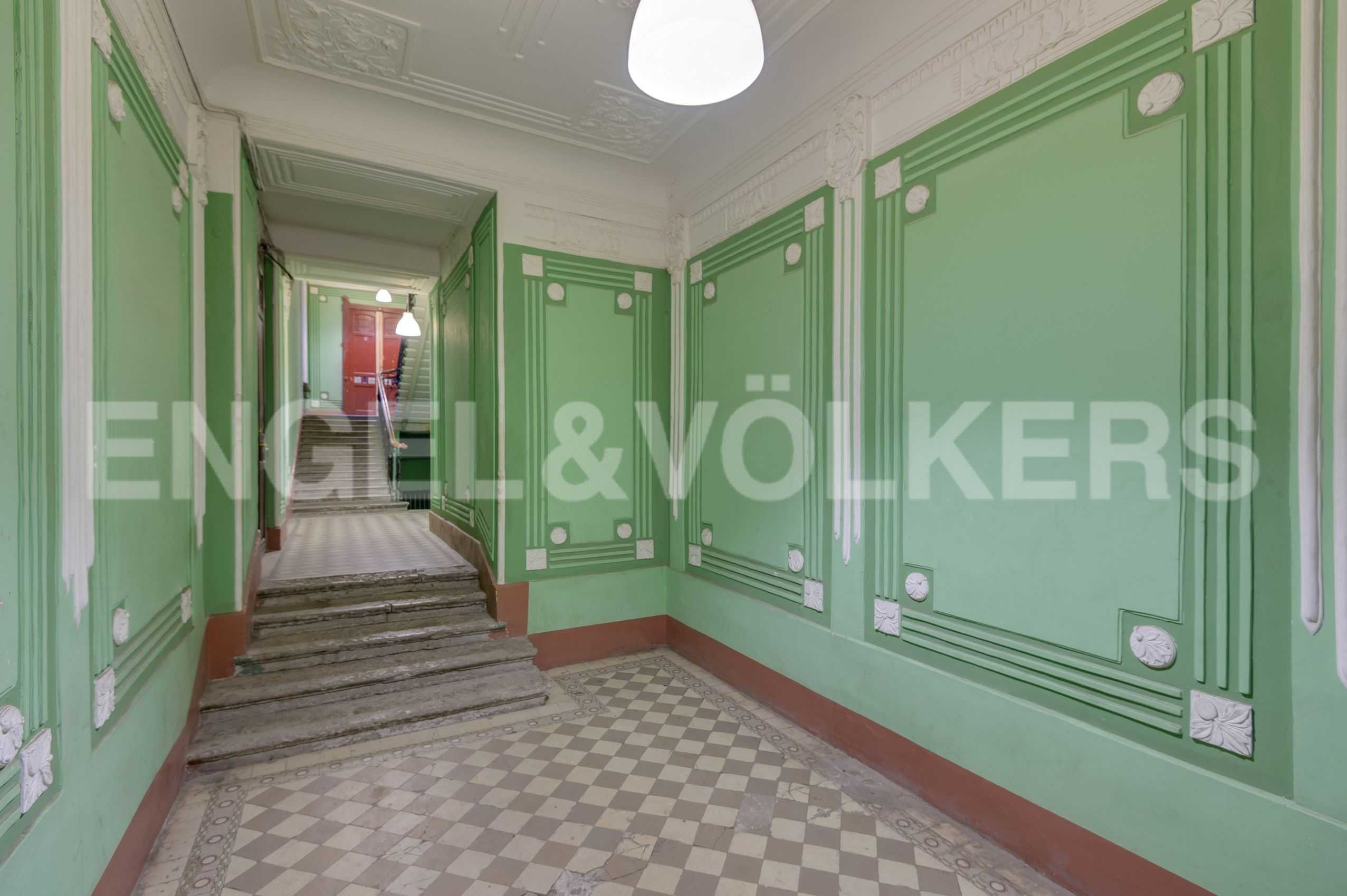 Элитные квартиры в Центральный р-н. Санкт-Петербург, Захарьевская, 16. Отреставрированная парадная