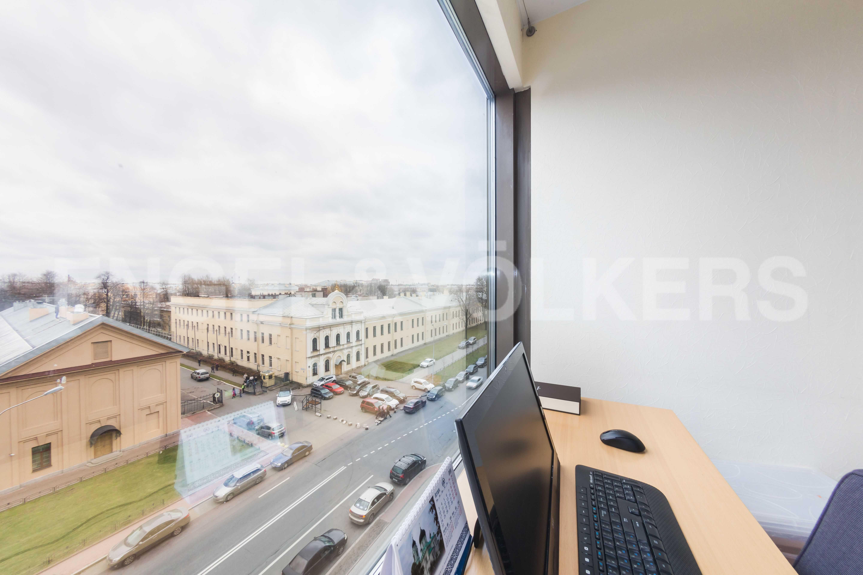 Элитные квартиры в Центральном районе. Санкт-Петербург, Большой Сампсониевский пр., д.4. Зона кабинета