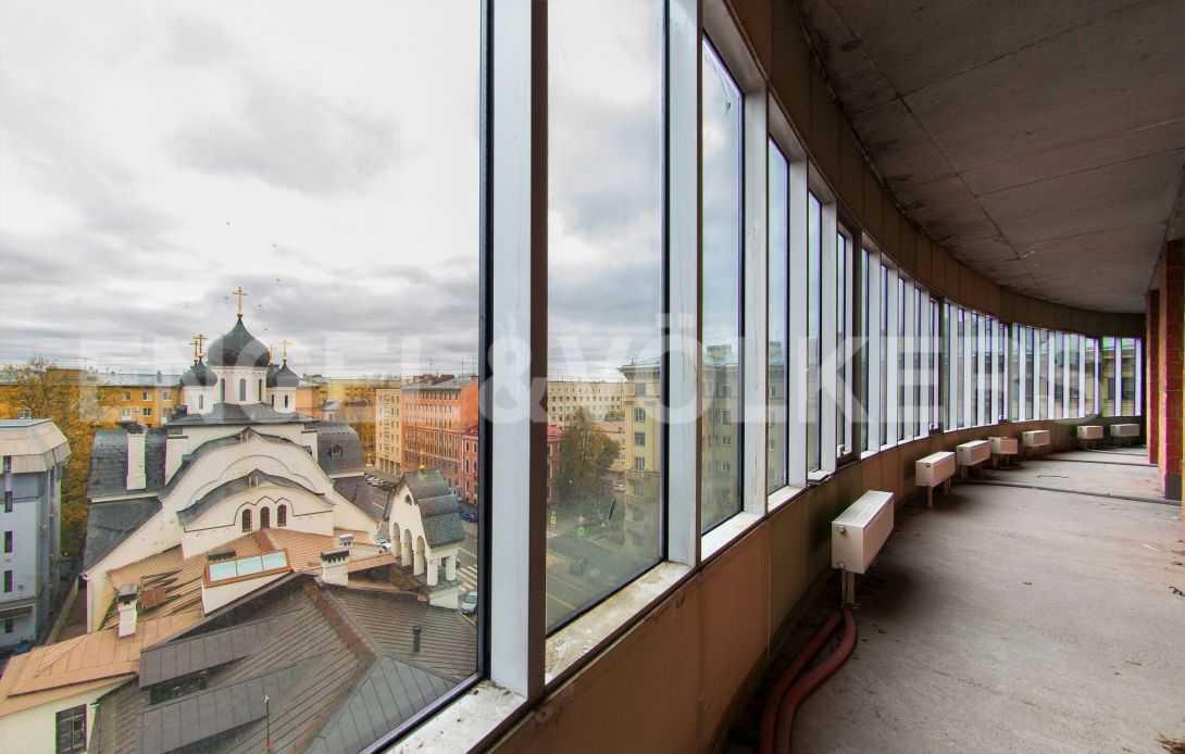 Элитные квартиры в Центральном районе. Санкт-Петербург, Тверская, 6 . Вид на Церковь Знамения Пресвятой Богородицы
