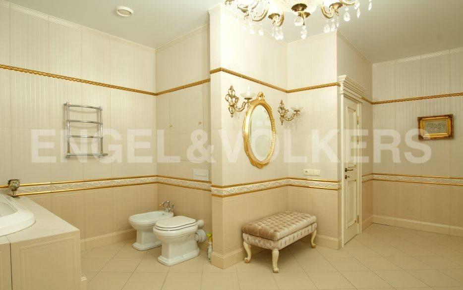 Элитные квартиры на . Санкт-Петербург, ул. Вязовая, 10. Ванная комната. 25 кв.метров