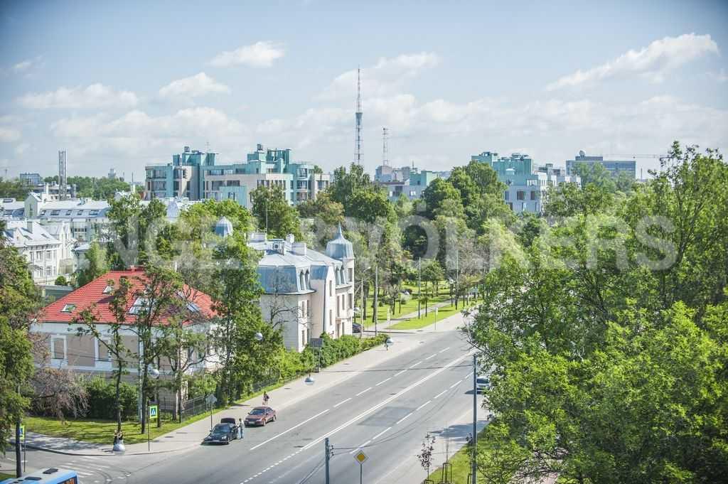 Элитные квартиры на Крестовском острове. Санкт-Петербург, ул. Рюхина, д.10. Панорама Морского пр. рядом с домом