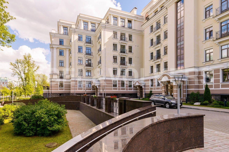 Элитные квартиры на . Санкт-Петербург, Морской проспект, 24. Благоустроенная закрытая территория