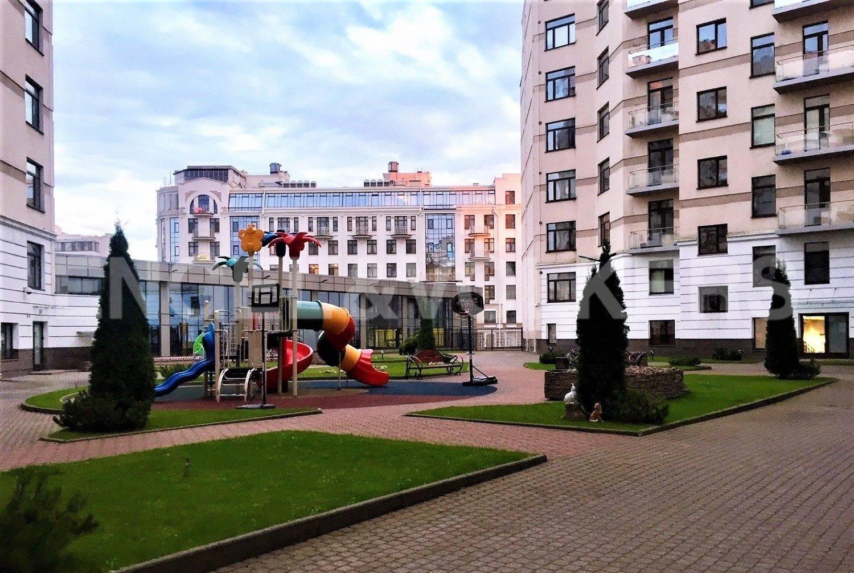 Элитные квартиры на . Санкт-Петербург, Кемская, 1. Закрытый двор