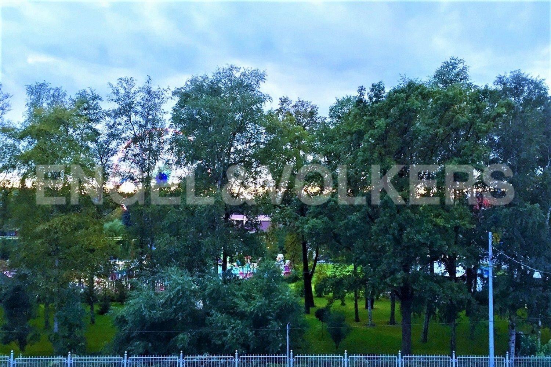 Элитные квартиры на . Санкт-Петербург, Кемская, 1. Вид на Приморский парк